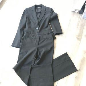 Women's Express Suit